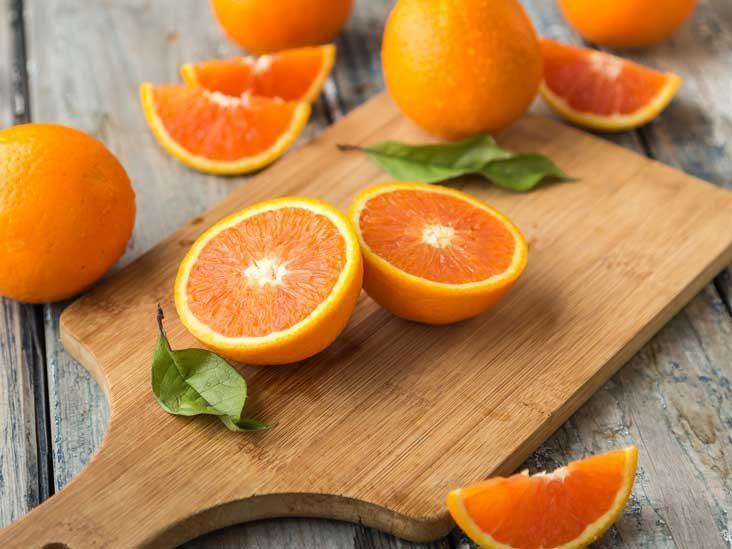 برتقال مقطوع نصفين
